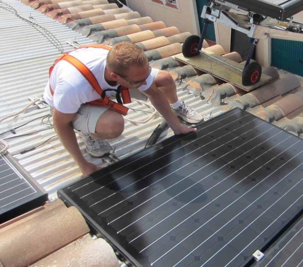 formation-bao-posseur-de-panneaux-solaires-dualsun-et-engie