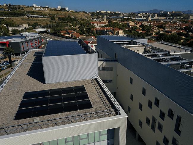 photo-installation-bureau-marseille-panneaux-solaires-hybrides-5