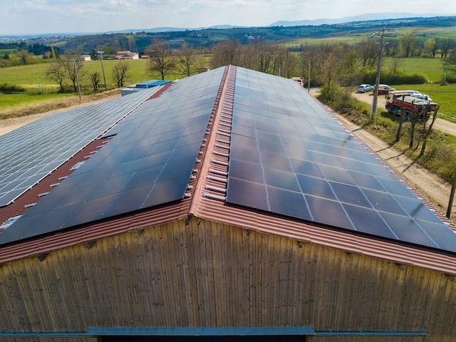 installation-solaire-pv-dualsun-ferme-milon